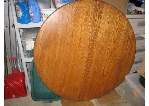 Double pedestal Oak 48 inch round table / 6 chairs and 2 leafs